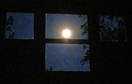 window moon