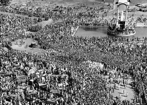 Gandhi ashes Ganges